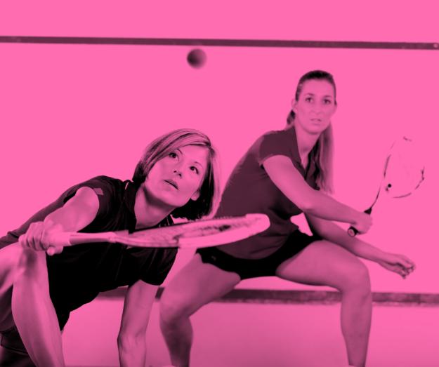 Squash, tennis og badminton – book selv bane