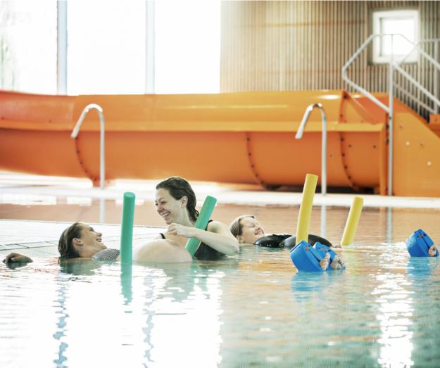 Gravidtræning – godt og glad af at være i vandet