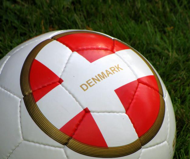 Varm op til VM med fodboldekspert Svend Rybner